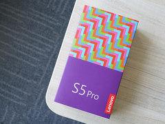 AI四摄/朱一龙自拍首选 联想S5 Pro开箱