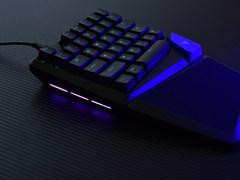 小巧精悍更具游戏快感  雷柏V550RGB机械键盘图赏