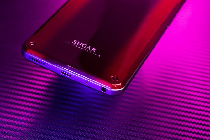 糖果电霸手机C21评测:带你体验不断电的AI翻译