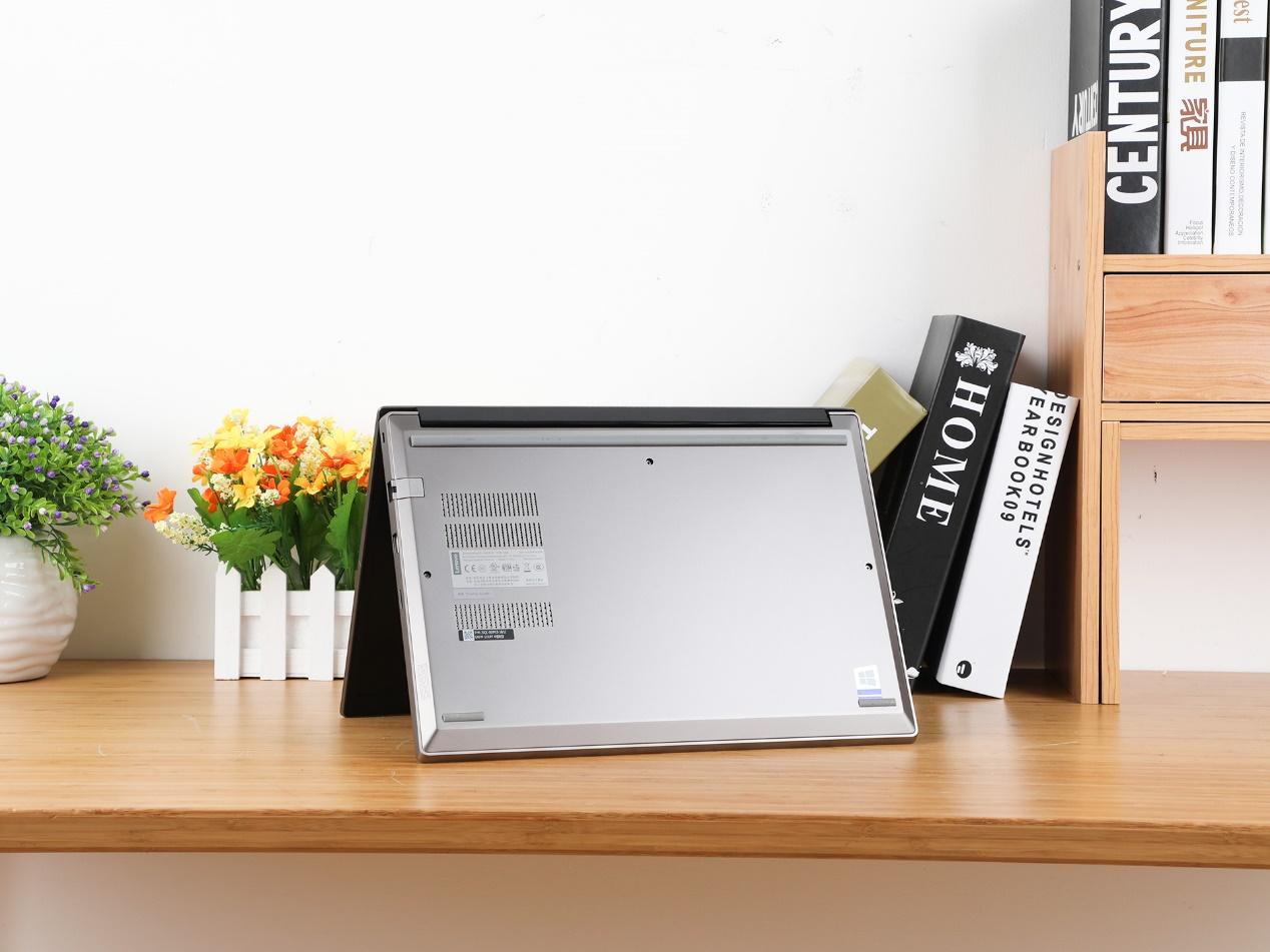 职场潮人进阶必败单品 ThinkPad S3锋芒演绎后现代