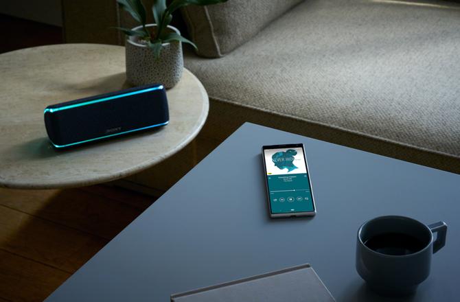 首款21:9比例显示屏手机 索尼Xperia Plus 10发布