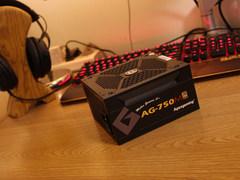 图赏:艾湃AG-750M金牌全模组电源 旗舰级别十年质保
