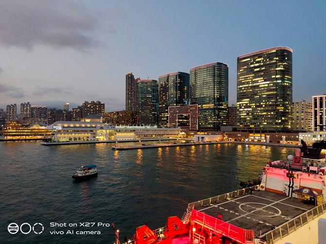 "X27 Pro香港行摄27小时:和刘雯、肖全一起拍""大片"""