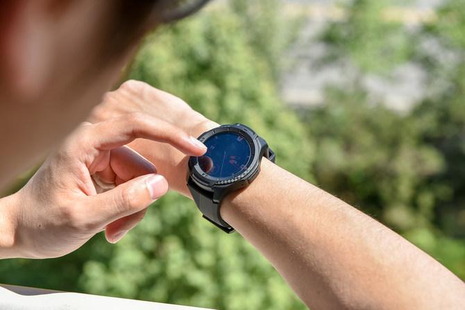 军标认证+潮流设计 出门问问发布两款千元智能手表
