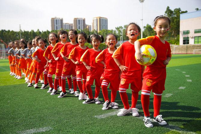 深圳幼儿园毕业照cosplay中国女足世界杯火了