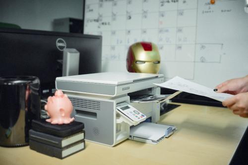 奔图打印机,一个有空想的科幻道具事情室的理性之选