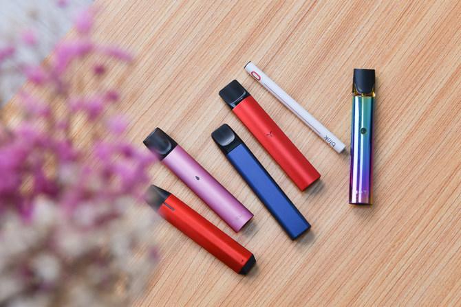 吞云吐雾哪家强6款主流市售电子烟体验对比