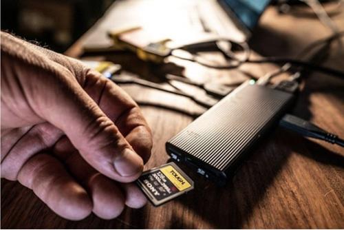 """索尼发布""""世界最快""""USB-C Hub及TOUGH SF-M系列SD卡"""