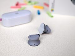 售1588元,微軟Surface Earbuds無線耳機圖賞