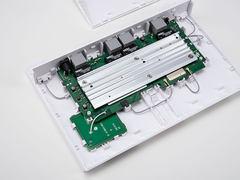 華為AX3 Pro路由器拆解:出色散熱設計+高性能處理器