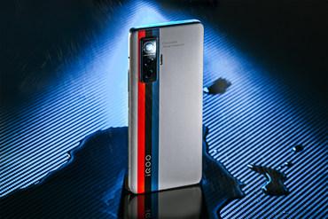 追逐性能信仰 上手宝马M加持的iQOO 5 Pro传奇版