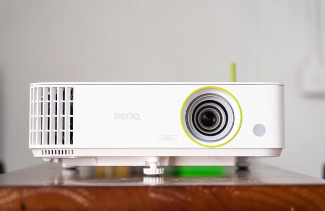 明基E582智能投影仪,让你的办公会议从此便捷高效插图