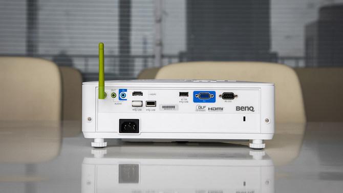 明基E582智能投影仪,让你的办公会议从此便捷高效插图1