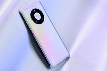 华为Mate40 Pro秘银图赏:星环设计探索未来科技