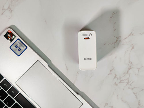 满足大功率游戏本的轻便充电器,倍思100瓦QC5氮化镓充电器