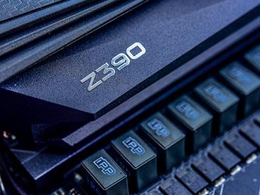 七彩虹iGame Z390 Vulcan X开箱