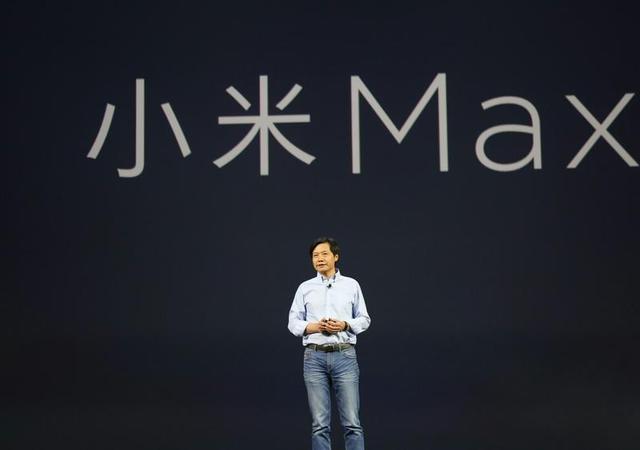 太好玩!苹果终于致敬小米,高配借鉴Max系列,低配学习青春系列