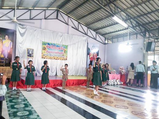 """""""随手拍""""海尔:海尔向泰国学校进行爱心捐赠"""