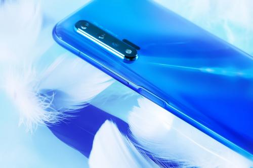 iPhone11用户纷纷爬墙华为nova6 5G?5G全网通+强劲续航的确给力!