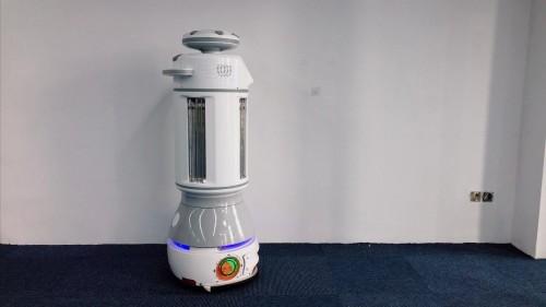 外媒报道:疫情期间擎朗推出全新消毒机器人