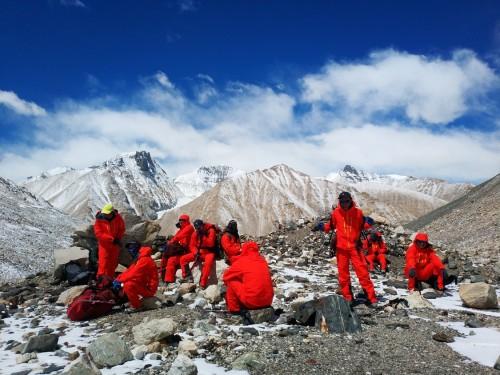 COLMO空调致贺我国专业测绘人员首登珠峰测高成功