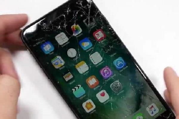 手机屏幕突然失灵怎么办?这几个维修小技巧,一定要知道!