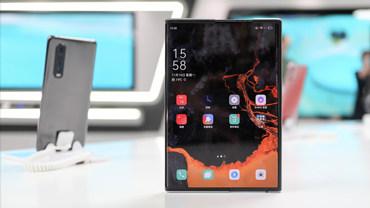 OPPO X 2021卷轴屏概念机:柔性屏手机新形态