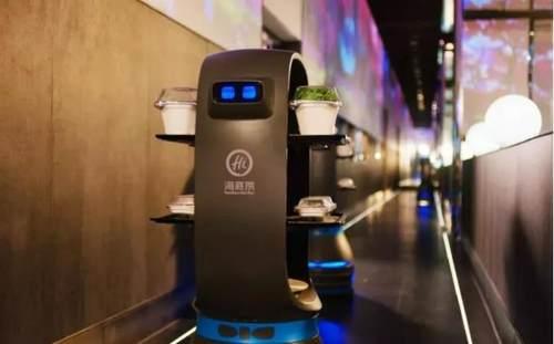 这些机器人服务员上菜的网红餐厅你一定喜欢丨